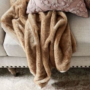 "{Pottery Barn} Faux Fur Alpaca Throw 50""x60"" Brown"